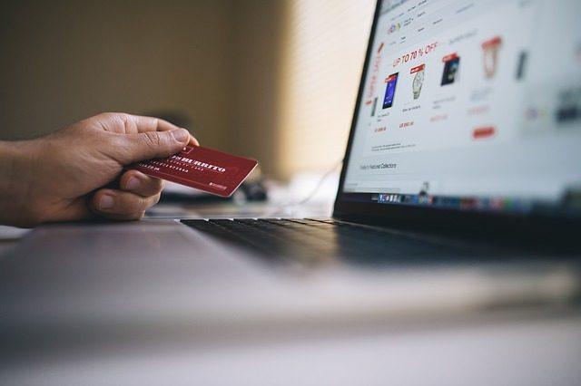 クレジットカードで簡単に借金体質に